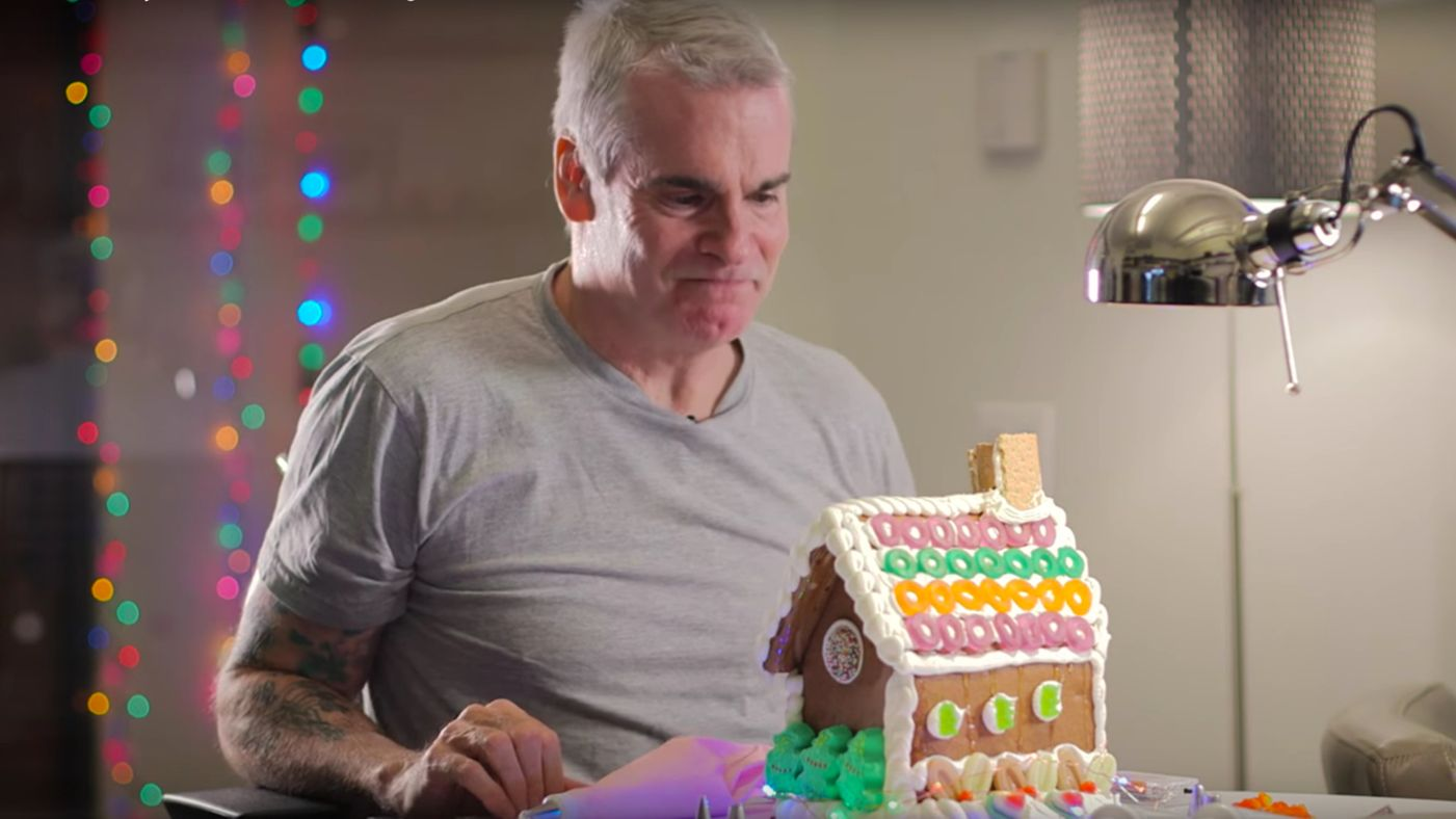 henry-rollins-decorate-a-gingerbread-house